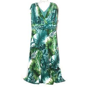 SZ 16-20 Tropical Leaves Print Maxi Dress